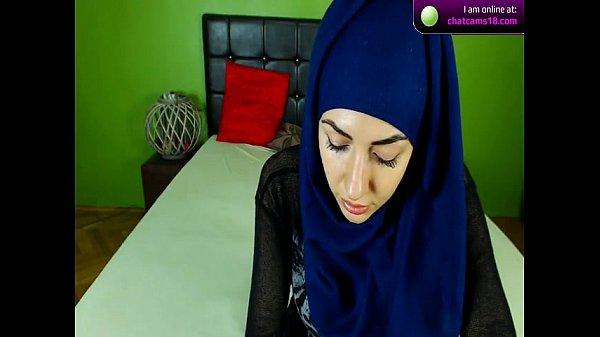 Live sex hijab Bigo live