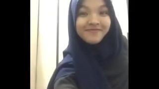 Awek Kastam tudung big ass malay hot pretty nice boobs